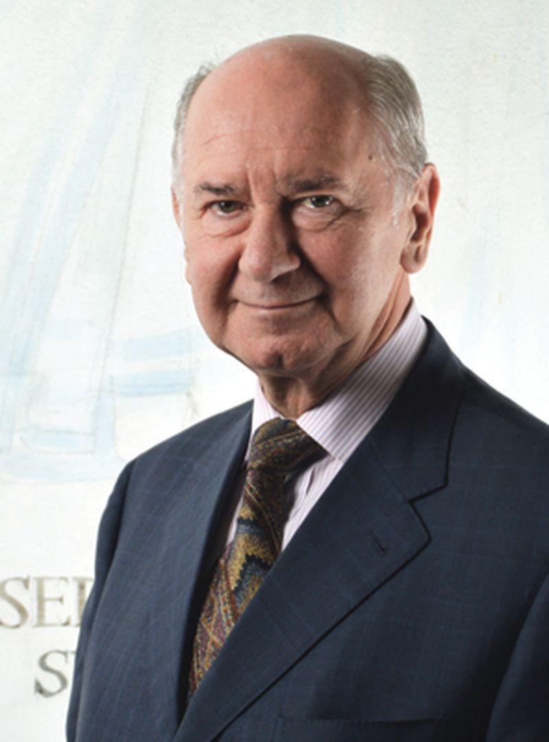 Dr. Boris Cizelj ima bogate izkušnje na področju lobiranja, mednarodnih ekonomskih odnosov, zastopanja interesov in diplomacije