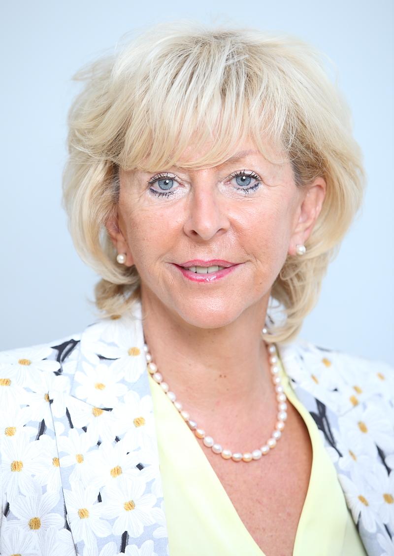 Direktorica Dobe na Štajerskem forumu v organizaciji Financ